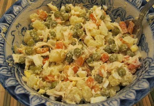 салат с вареной картошкой простой рецепт